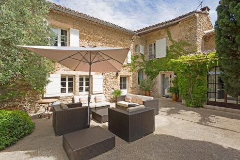 Farm de luxe à vendre MAUBEC, 260 m², 4 Chambres, 1095000€
