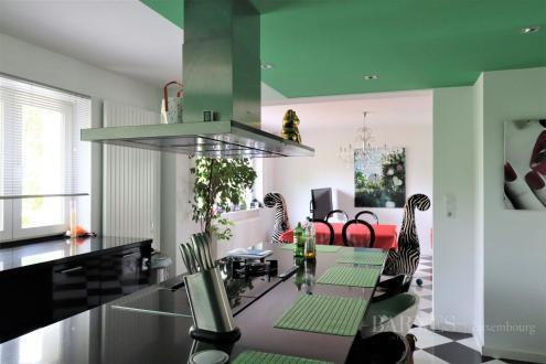 Вилла класса люкс на продажу  Люксембург, 499 м², 6 Спальни