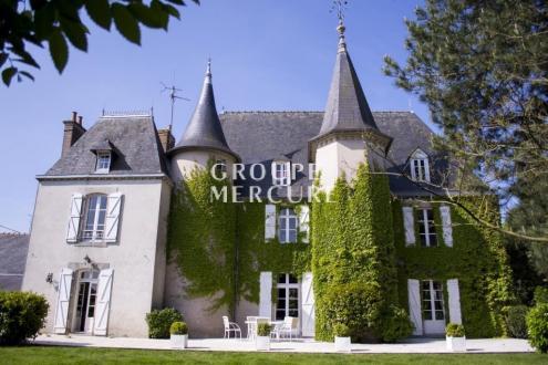 Luxus-Haus zu verkaufen VITRE, 275 m², 6 Schlafzimmer, 742000€