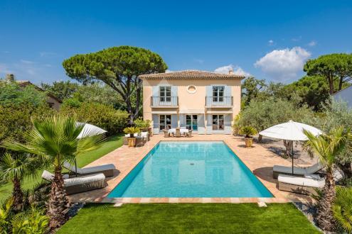 Дом класса люкс на продажу  Гассен, 250 м², 4 Спальни, 3500000€