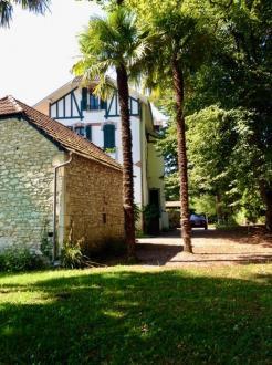 Proprietà di lusso in vendita PAU, 202 m², 5 Camere, 532000€