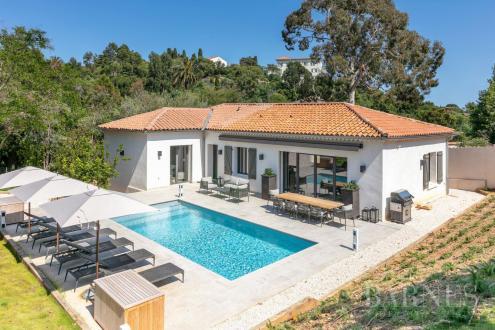Luxury House for rent LA CROIX VALMER, 300 m², 5 Bedrooms,