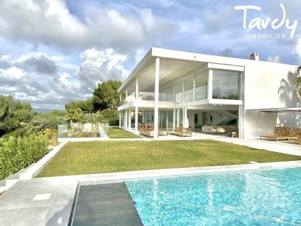 Maison de luxe à vendre SAINT CYR SUR MER, 568 m², 6 Chambres, 5000000€