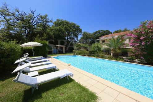 Luxury Villa for sale SAINT TROPEZ, 257 m², 5 Bedrooms, €2990000