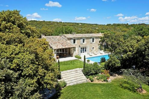 Luxury House for rent GORDES, 260 m², 5 Bedrooms,