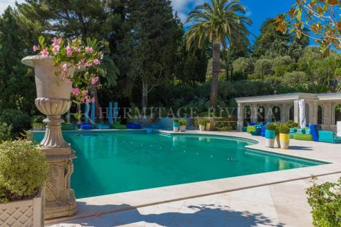 Luxury House for rent ROQUEBRUNE CAP MARTIN, 1000 m², 12 Bedrooms,