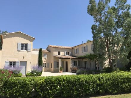 Casa di lusso in affito LACOSTE, 4 Camere,