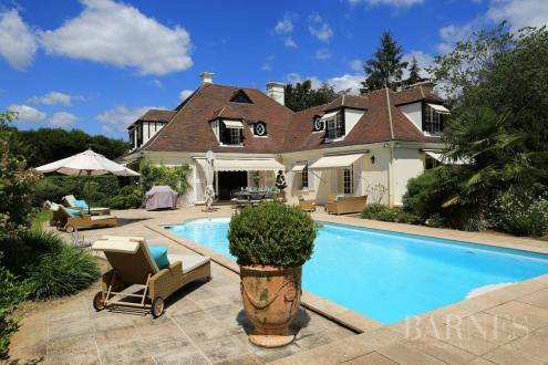 Villa de luxe à vendre SAINT NOM LA BRETECHE, 512 m², 5 Chambres, 1725000€