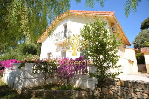 Maison de luxe à vendre SANARY SUR MER, 120 m², 5 Chambres, 1160000€
