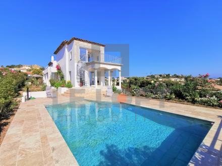 Maison de luxe à vendre SAINT AYGULF, 217 m², 5 Chambres, 1180000€