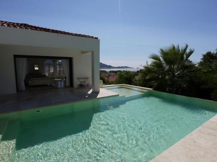 Luxus-Haus zu verkaufen MARSEILLE, 221 m², 4 Schlafzimmer, 2550000€