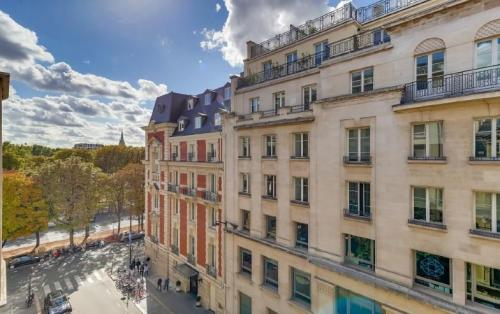 Квартира класса люкс на продажу  Париж 8ой, 160 м², 3 Спальни, 3150000€