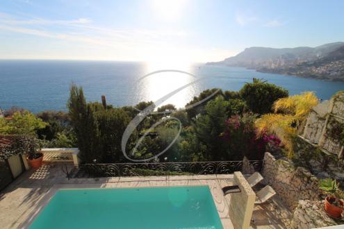 Villa de luxe à vendre ROQUEBRUNE CAP MARTIN, 350 m², 6 Chambres, 5800000€