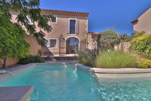 Luxury Villa for rent SAINT REMY DE PROVENCE, 75 m², 2 Bedrooms, €1300/month