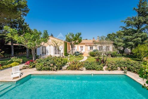 Luxus-Villa zu verkaufen VILLENEUVE LES AVIGNON, 350 m², 4 Schlafzimmer, 1190000€
