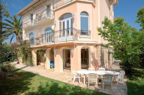 Maison de luxe à louer CANNES, 400 m², 6 Chambres,