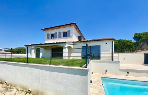 Maison de luxe à vendre TAILLADES, 240 m², 5 Chambres, 895000€