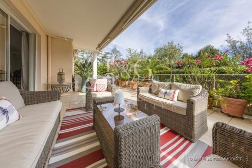 Appartement de luxe à vendre MANDELIEU LA NAPOULE, 150 m², 3 Chambres, 765000€