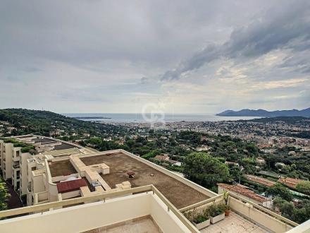 Appartamento di lusso in vendita MOUGINS, 159 m², 1310000€