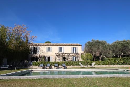 Luxury House for rent MAUSSANE LES ALPILLES, 280 m²,
