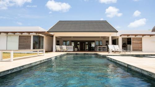 Luxury Villa for sale Mauritius, 366 m², 5 Bedrooms, €1585650