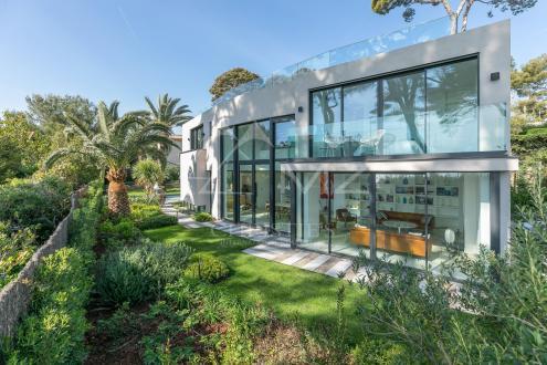 Maison de luxe à louer CAP D'ANTIBES, 318 m², 5 Chambres,
