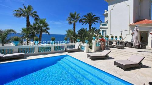 Maison de luxe à louer CAP D'AIL, 500 m², 7 Chambres,
