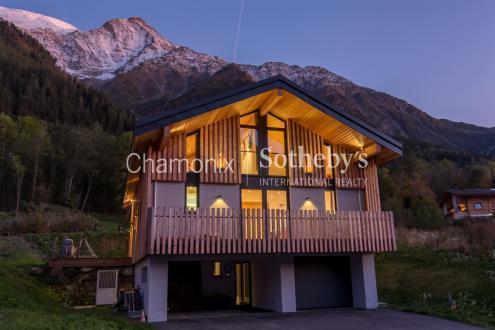 Chalet de luxe à vendre LES HOUCHES, 203 m², 4 Chambres, 1250000€