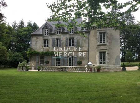 Château / Manoir de luxe à vendre QUIMPER, 450 m², 5 Chambres, 682500€