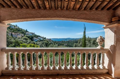 Luxe Villa te koop LES ISSAMBRES, 140 m², 3 Slaapkamers, 795000€