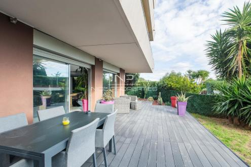 Квартира класса люкс на продажу  Ницца, 122 м², 3 Спальни, 749000€