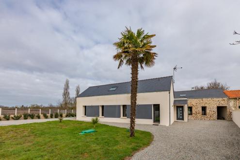 Maison de luxe à vendre SAINT ETIENNE DE MONTLUC, 304 m², 4 Chambres, 899600€