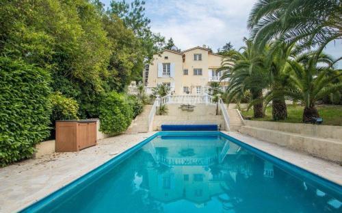 Luxe Villa te koop MOUGINS, 250 m², 1450000€