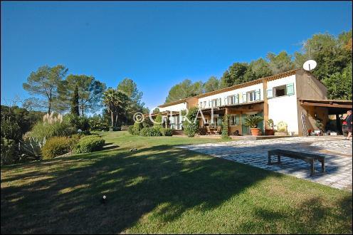 Villa di lusso in vendita VALBONNE, 250 m², 4 Camere, 2890000€