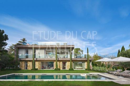 Дом класса люкс в аренду Кап д'Антиб, 330 м², 5 Спальни,