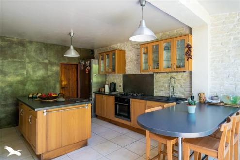 Дом класса люкс на продажу  Бордо, 123 м², 3 Спальни, 780000€