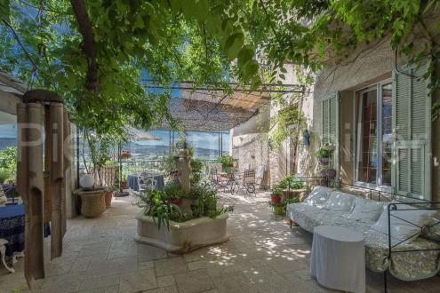 Maison de luxe à vendre LAURIS, 800 m², 899000€
