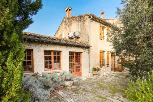 Maison de luxe à vendre SAINT REMY DE PROVENCE, 130 m², 2 Chambres, 795000€