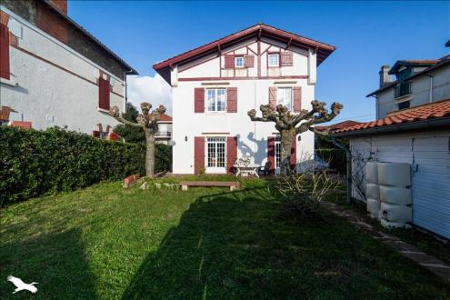 Дом класса люкс на продажу  Биарриц, 170 м², 6 Спальни, 1854000€