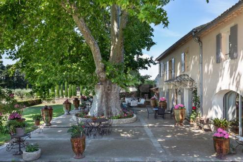 Luxury Farm for sale L'ISLE SUR LA SORGUE, 345 m², 5 Bedrooms, €1895000