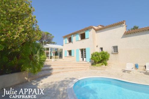 Maison de luxe à vendre SAINT RAPHAEL, 215 m², 5 Chambres, 778000€
