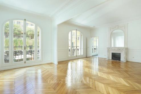 Appartamento di lusso in affito PARIS 16E, 200 m², 4 Camere, 5685€/mese