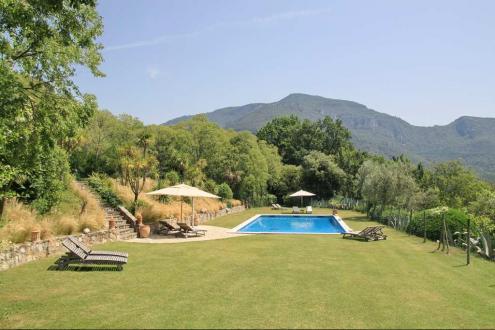 Дом класса люкс на продажу  Испания, 1450 м², 10 Спальни, 2520000€