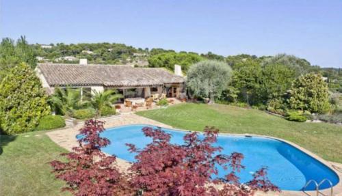 Proprietà di lusso in vendita MOUGINS, 354 m², 3 Camere, 2950000€