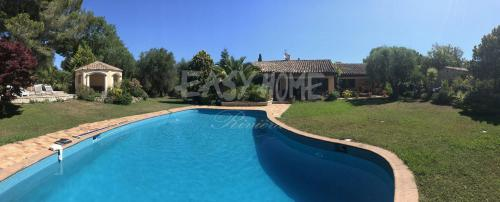 Luxury Property for sale MOUGINS, 354 m², 3 Bedrooms, €2950000