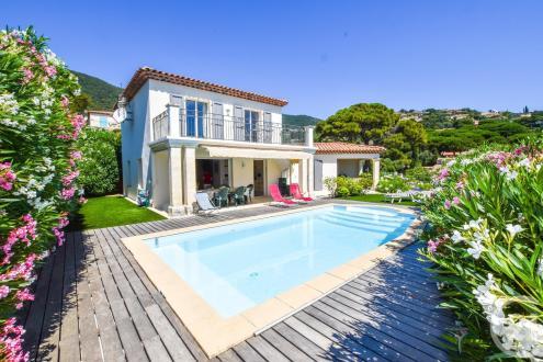 Maison de luxe à vendre CAVALAIRE SUR MER, 140 m², 4 Chambres, 940000€