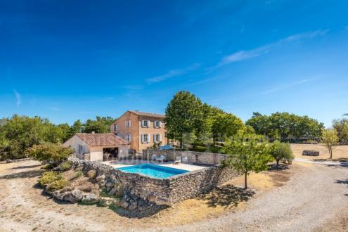 Farm de luxe à vendre SAIGNON, 240 m², 5 Chambres, 1195000€