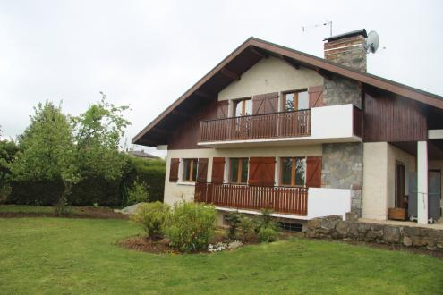 Luxury House for rent LYAUD, 167 m², 4 Bedrooms, €1712/month