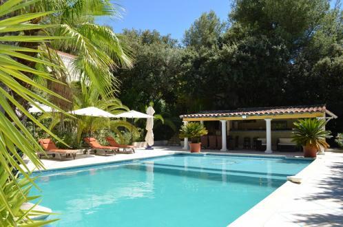 Villa di lusso in vendita LA CADIERE D'AZUR, 500 m², 6 Camere, 1990000€