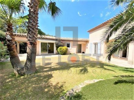 Villa de luxe à vendre SAINT AYGULF, 127 m², 3 Chambres, 570000€